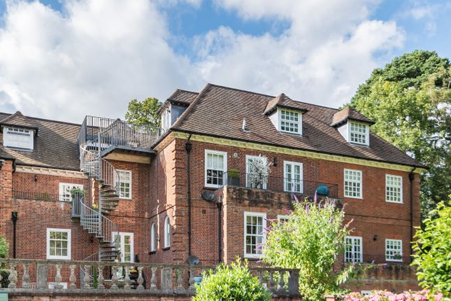 Thumbnail Flat for sale in Bracken Place, Chilworth, Southampton, Hampshire