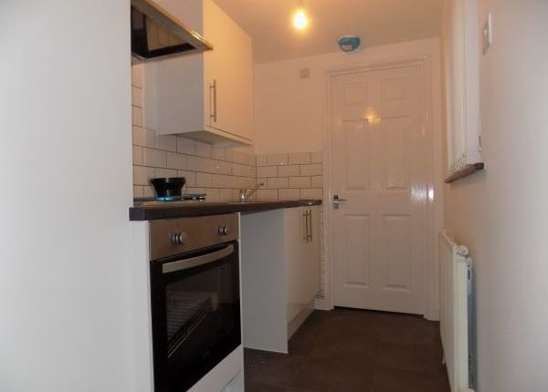 Thumbnail Flat to rent in Flat 2, Commercial Street Arcade, Abertillery.