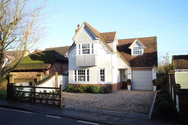 Thumbnail Detached house for sale in Hurst, Reading