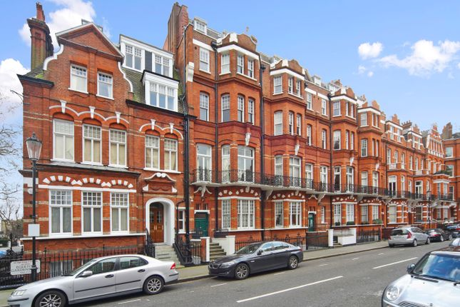 Thumbnail Duplex to rent in Egerton Gardens, Chelsea, Knightsbridge