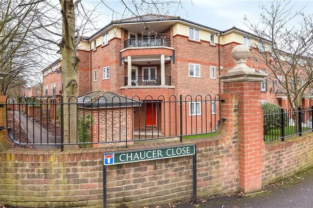 Thumbnail Flat for sale in Chaucer Close, Windsor, Berkshire