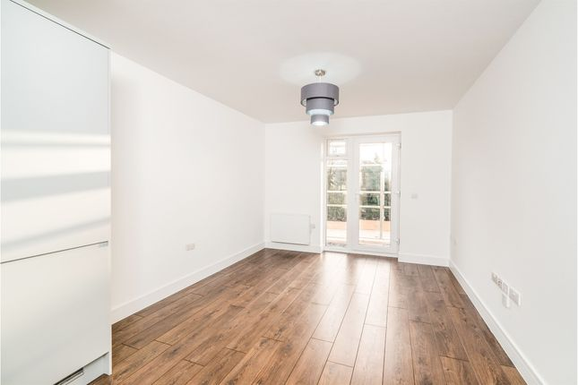 Thumbnail Flat for sale in West Wycombe Road, High Wycombe