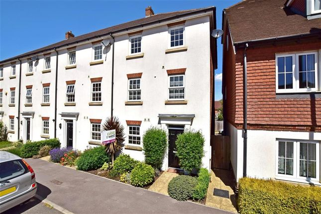 Thumbnail Town house for sale in Brookfield Drive, Horley, Surrey
