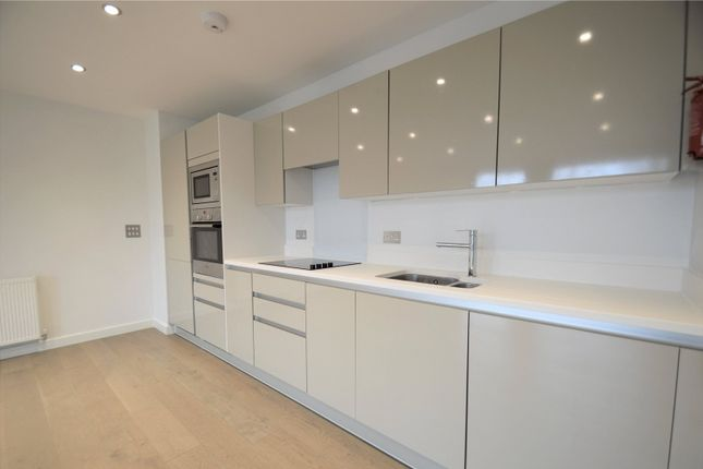 Thumbnail Flat to rent in Trinity Square, Coulsdon, Surrey