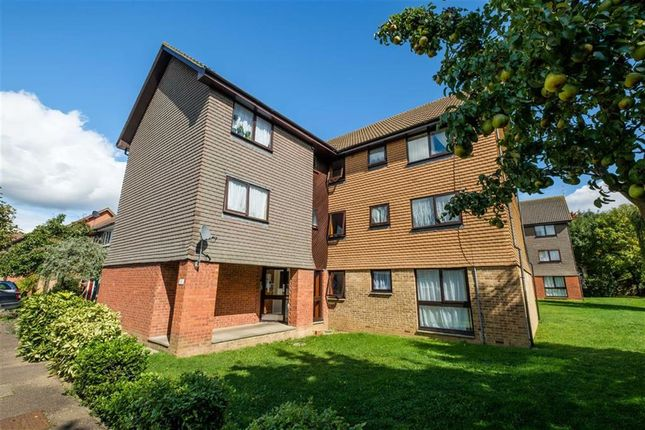Thumbnail Flat to rent in Ryeland Close, Yiewsley, Middlesex