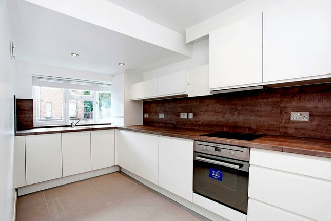 Thumbnail Flat to rent in 115, Maryland Street, London