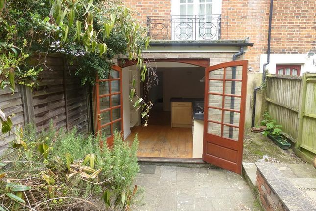 1 bed flat to rent in Andover Road, Winchester