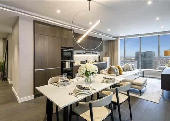 Thumbnail Flat for sale in 40-01, Canary Wharf, London