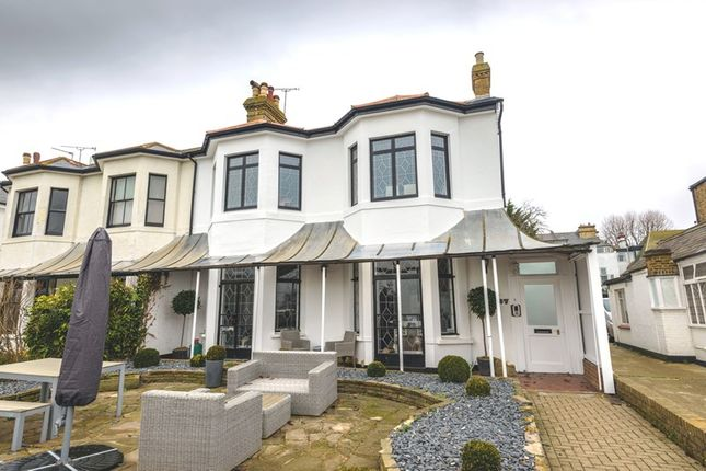 Thumbnail Flat for sale in Clifftown Parade, Southend-On-Sea