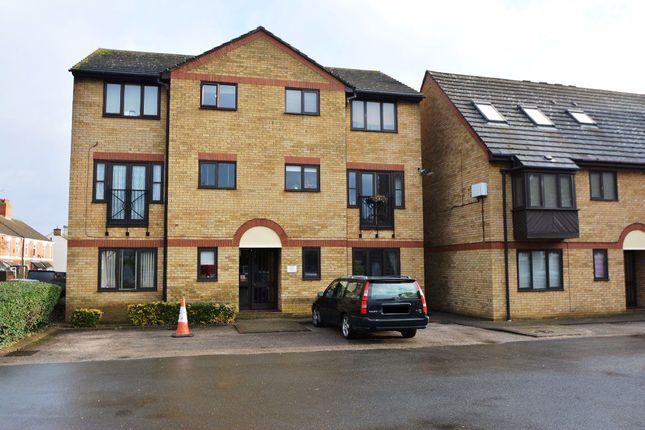 Thumbnail Flat to rent in Phorpres Court, Fletton