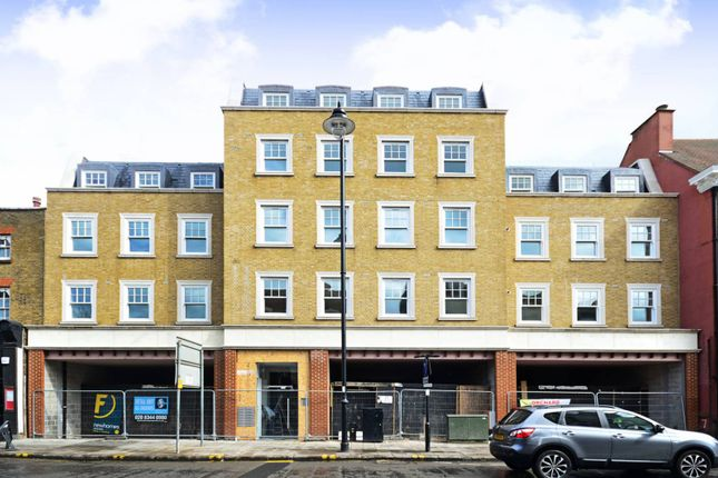 Thumbnail Flat to rent in Silver Street, Enfield