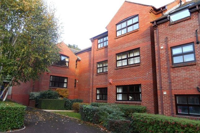 Thumbnail Flat to rent in Old Mill Close, St Leonards, Exeter