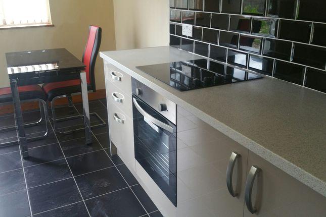 Thumbnail Flat to rent in Kirkstall Avenue, Kirkstall, Leeds, Kirkstall