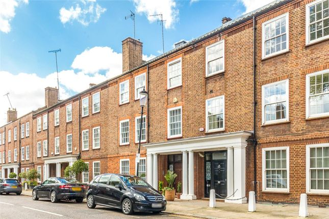 Thumbnail Terraced house for sale in Chelsea Square, Chelsea, London