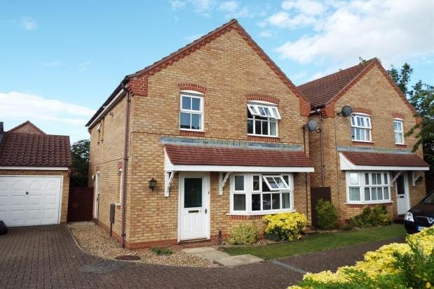 Thumbnail Detached house to rent in Hawthorn Close, Diss
