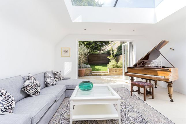 Thumbnail Terraced house for sale in Finlay Street, London