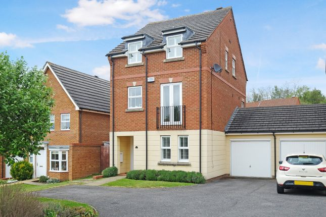 Thumbnail Detached house for sale in Tregony Road, Farnborough, Orpington