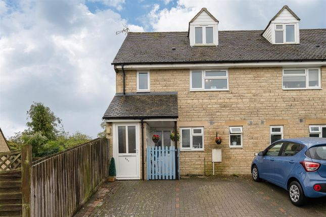 Thumbnail Flat for sale in Maugersbury Park, Stow On The Wold, Gloucestershire