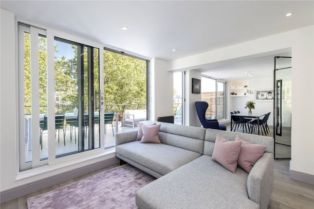 Thumbnail Flat for sale in Craven Hill, London