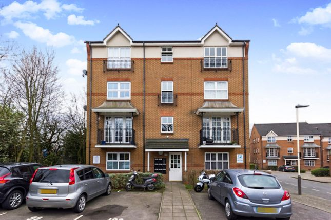 Thumbnail Flat for sale in Shaftesbury Gardens, London