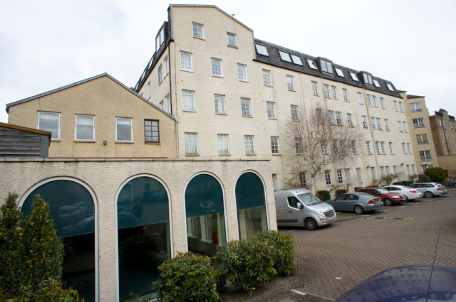 Thumbnail Flat to rent in 51/10 Caledonian Crescent, Dalry