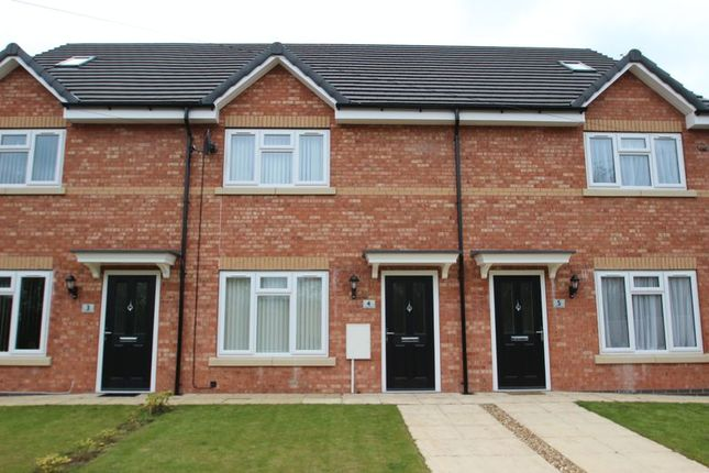 Thumbnail Town house to rent in Chell Heath Road, Burslem, Stoke-On-Trent