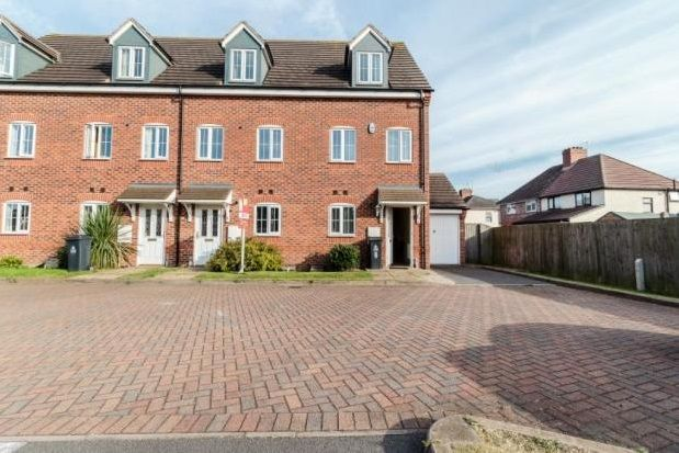 Thumbnail Property to rent in Brundard Close, Walsall
