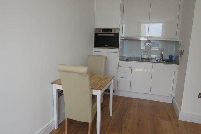 Kitchen of High Street, Slough SL1