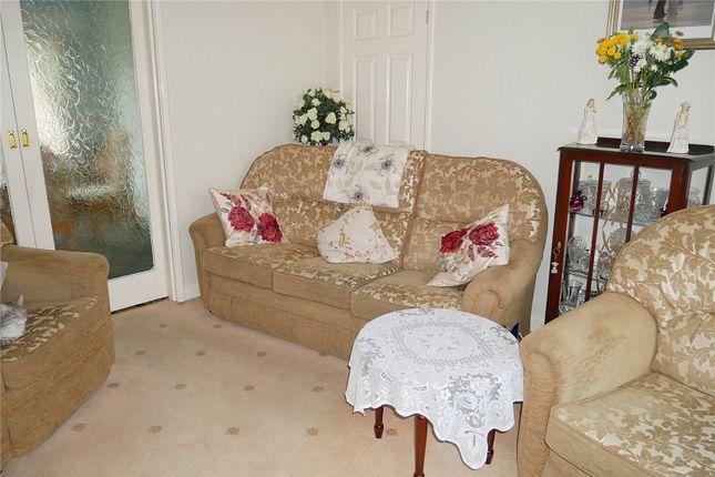 Picture No. 09 of Acre Avenue, Bradford, West Yorkshire BD2