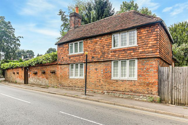 Thumbnail Detached house to rent in Chart Lane, Brasted, Westerham