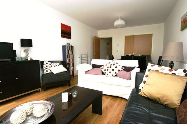 Thumbnail Flat to rent in Nelson Walk, London