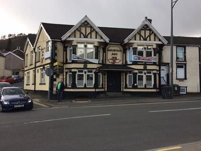 Pub/bar to let in Mountain Ash Inn, 24 Commercial Street, Mountain Ash, Mid Glamorgan