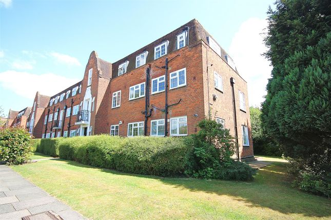 Thumbnail Flat for sale in Belmont Close, Cockfosters, Barnet