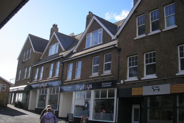 2 bed flat to rent in The Burrow, Seaton EX12