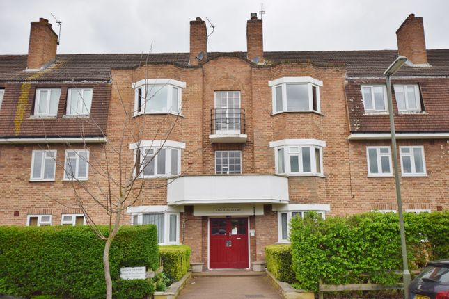 Thumbnail Flat to rent in Oakhall Drive, Sunbury