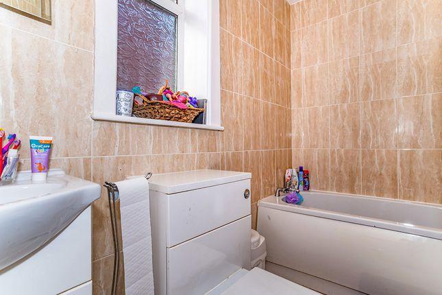 Bathroom of Belgrave Avenue, Oldham, Greater Manchester OL8