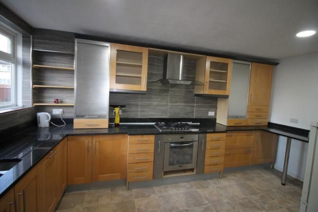 Thumbnail Terraced house to rent in Cooks Mead, Bushey
