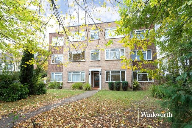 Picture No. 12 of Sunningfields Road, London NW4
