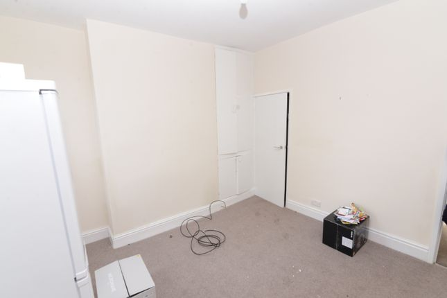 Thumbnail Shared accommodation to rent in Marion Road, Sheffield