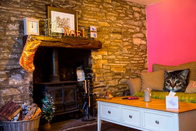 Thumbnail Cottage for sale in Pandy Cottage, Trelewis