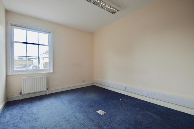 Property to rent in 1 Lord Street, Gravesend DA12