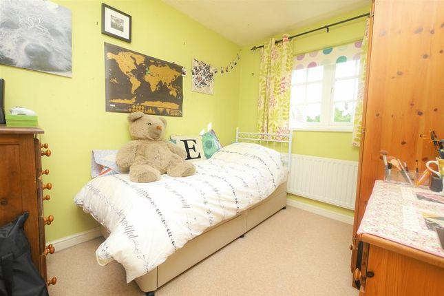 Bedroom Two of Ouse Close, Didcot OX11