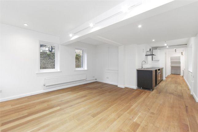 2 bed flat for sale in Victoria Road, London