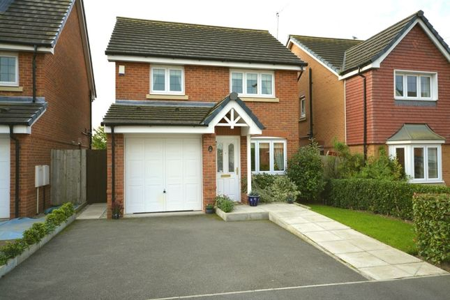 3 bed detached house for sale in Neston Close, Helsby, Frodsham