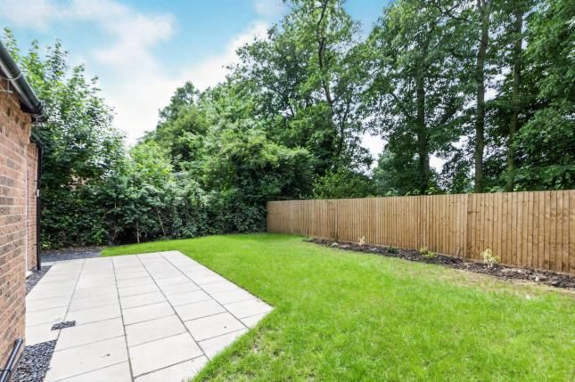 Garden of Uppingham Road, Leicester, Leicestershire, England LE5