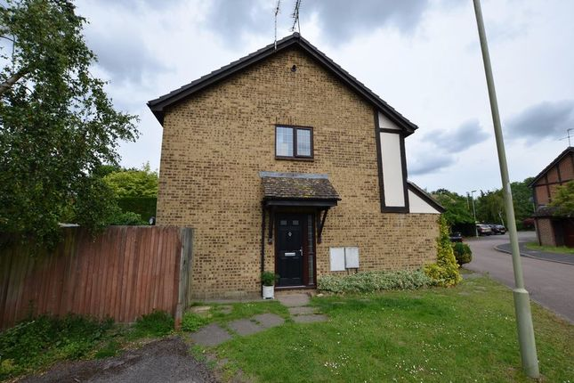 Thumbnail Maisonette to rent in Morley Close, Yateley
