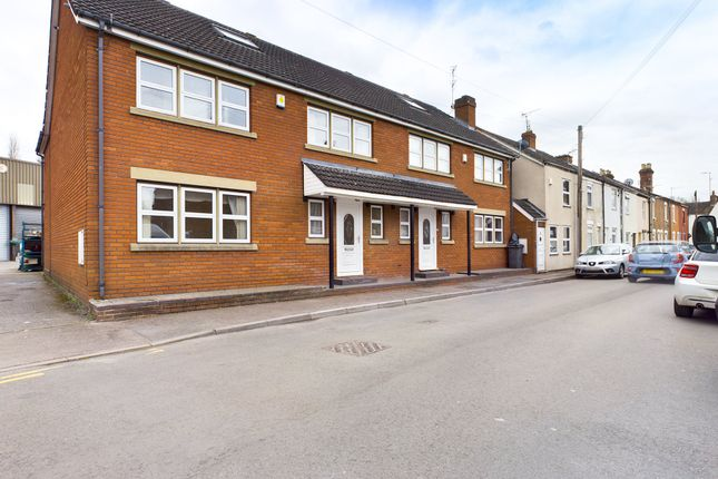 Thumbnail Semi-detached house to rent in Westend Parade, Gloucester