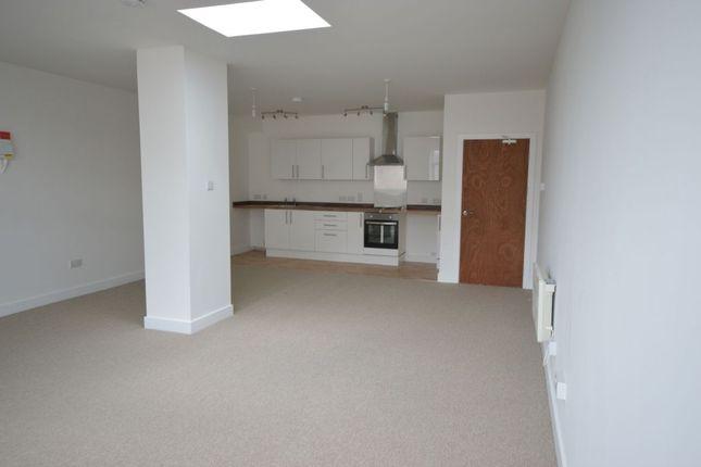 Thumbnail Flat to rent in Queen Street, Newton Abbot