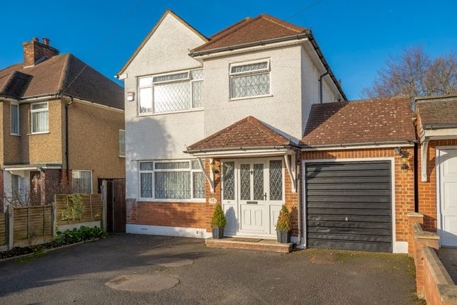 Thumbnail Detached house for sale in Courtlands Drive, Watford