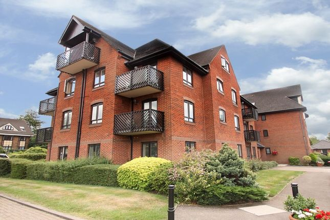 Thumbnail Flat for sale in Boleyn Court Epping New Road, Buckhurst Hill